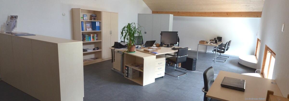 Ein Homeoffice hat oft weniger Platz, als ein Bürooffice.